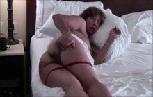 Chubby older Asian woman spreading her ass cheeks